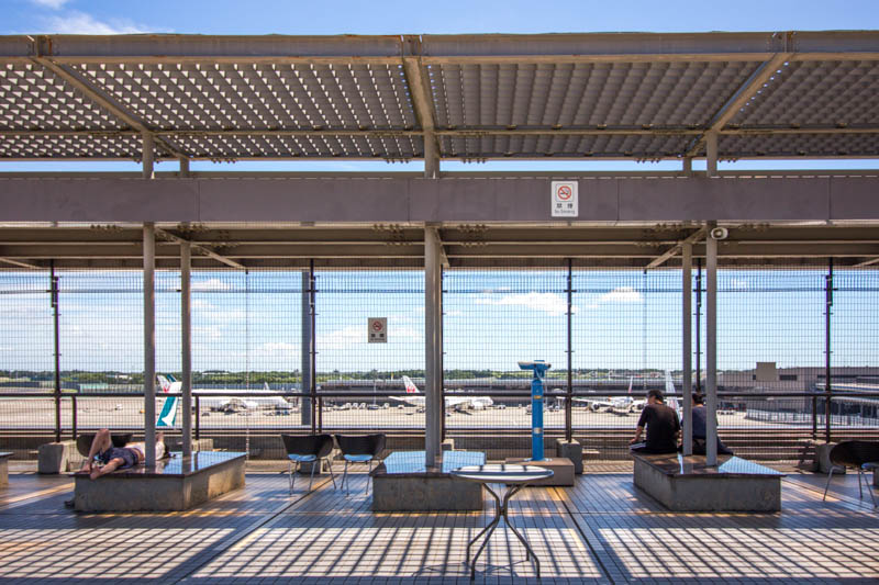見学デッキの例 成田空港第2ターミナル